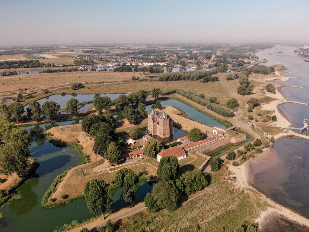 drone Loevestein castle