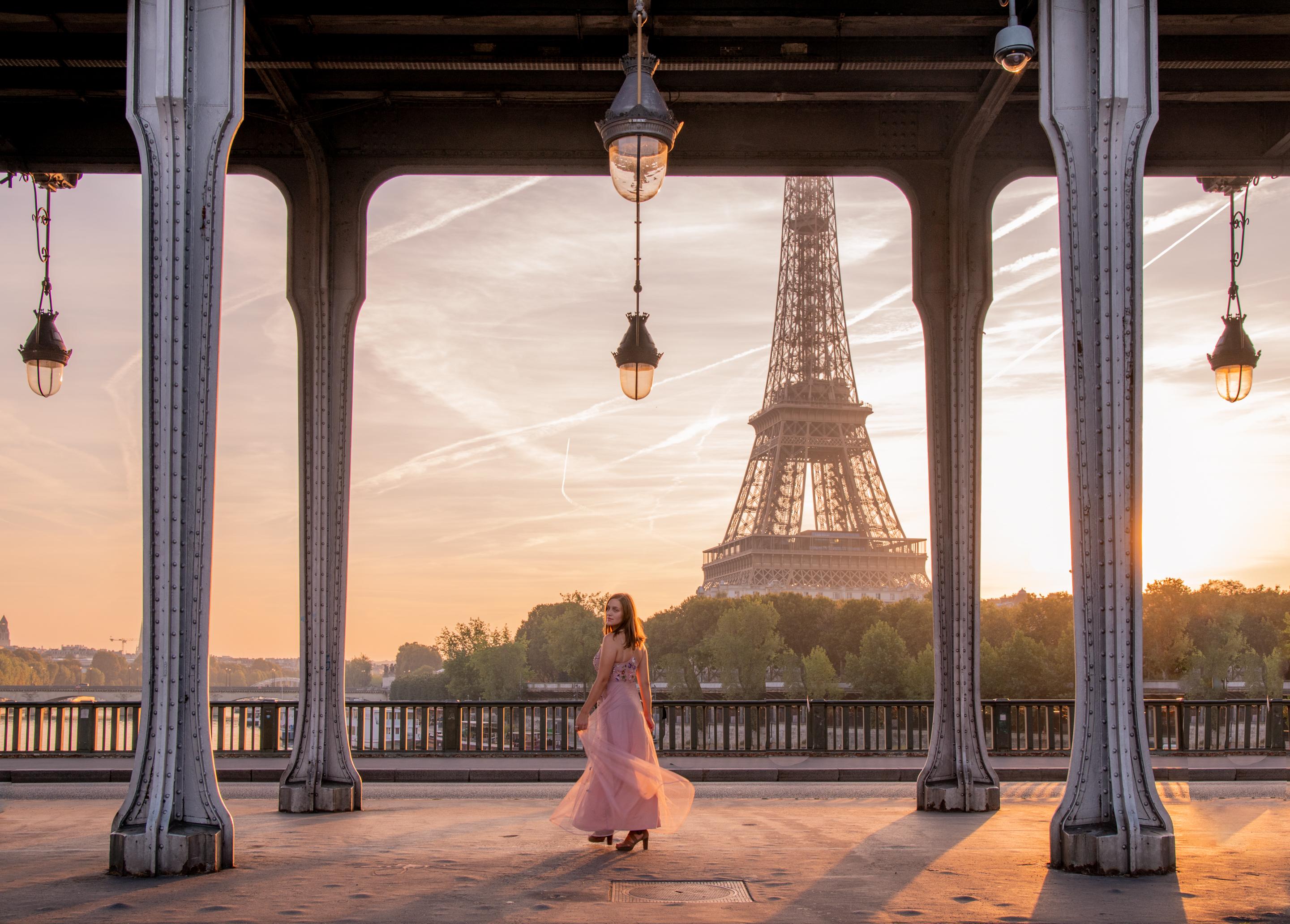 Pont de Bir-Hakeim paris Eiffel Tower