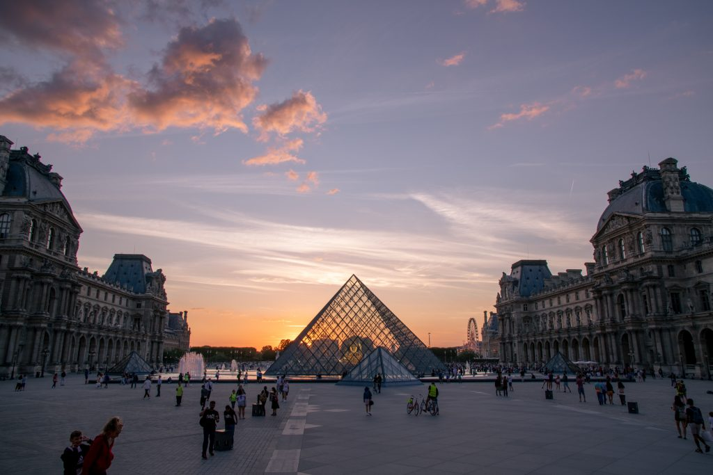 sunset at louvre Paris